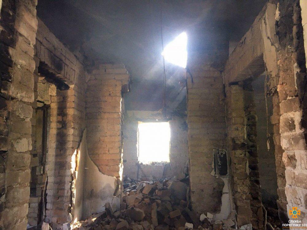 Згоріла хата: у Зборівському районі вогнем знищено житловий будинок (ФОТО)