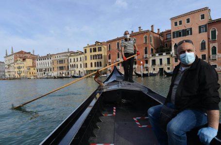 У канали Венеції повернулись гондоли (ФОТО)