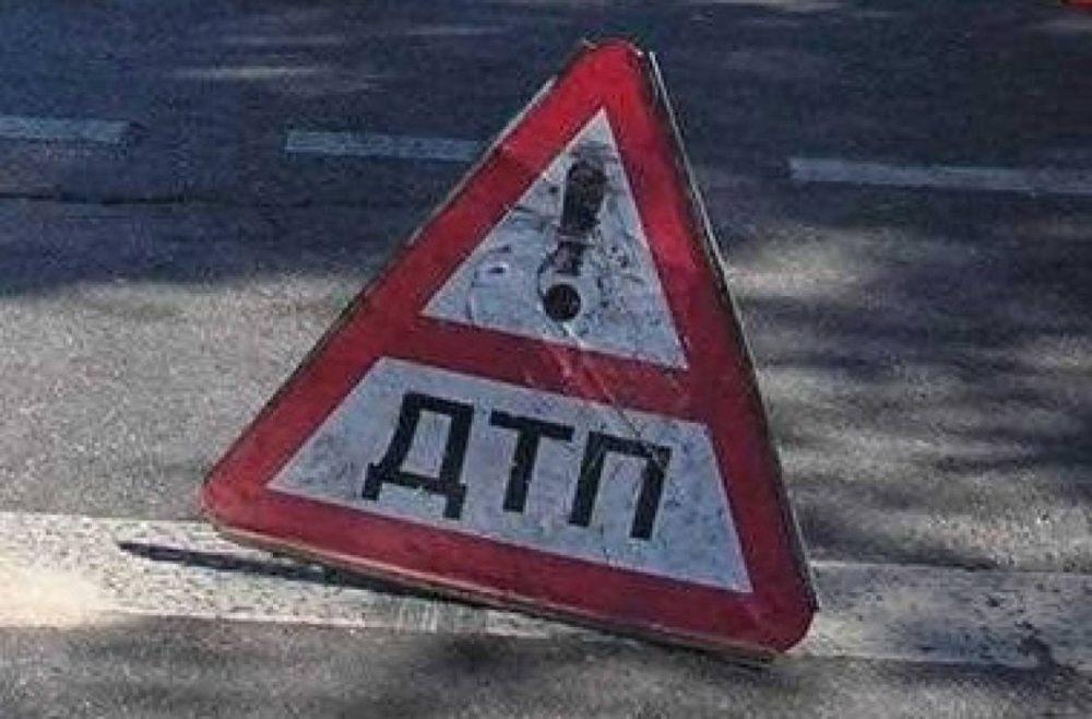 У Тернополі на проспекті Злуки жінка потрапила під колеса автомобіля