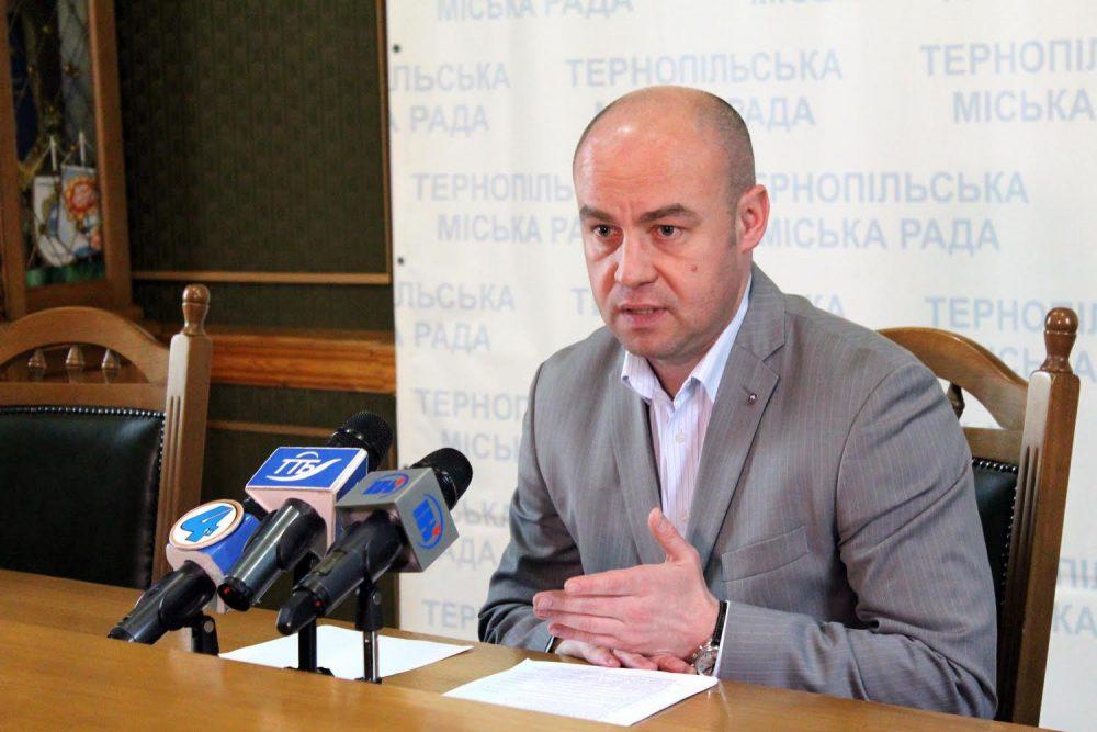 """Сергій Надал робить все, щоб у Тернополі не було """"червоної зони"""""""