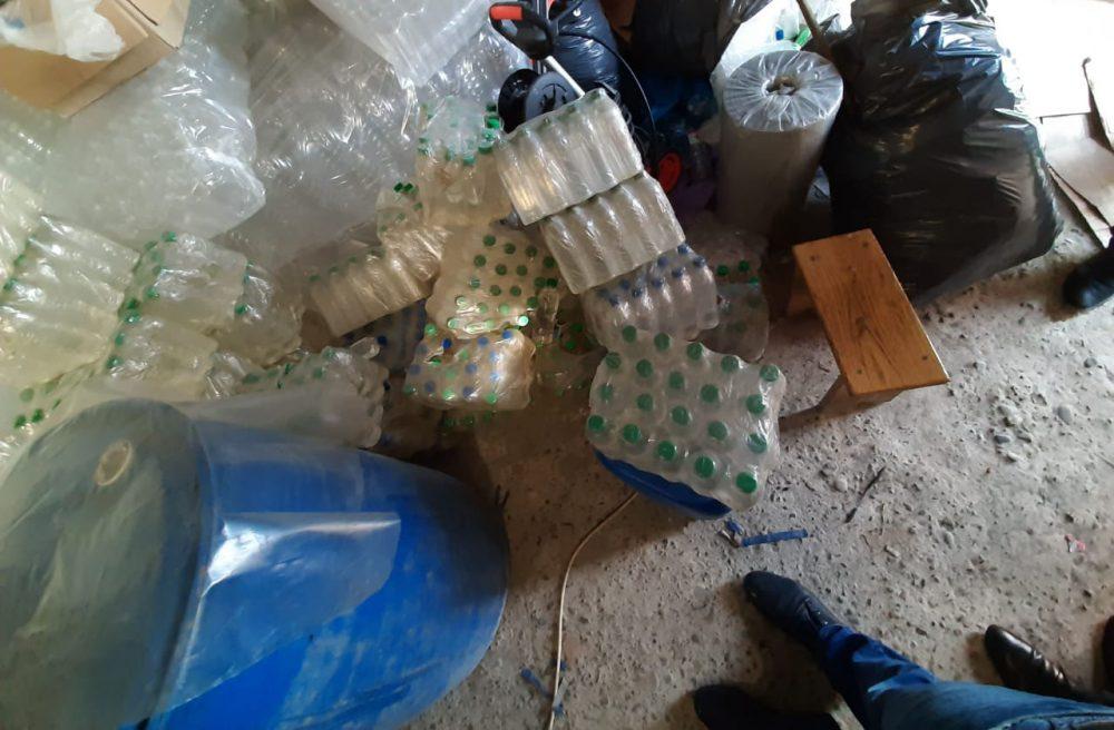 У двох жителів Бережанського району вилучили 1500 л фальсифікованого алкоголю