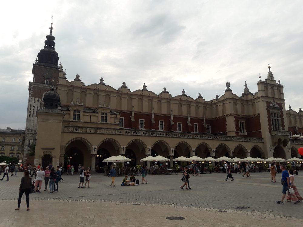 Польща відкрила кордони для українських туристів