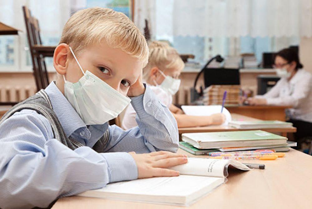 Навчання під загрозою: у шести школах Тернопільщини спалах коронавірусу серед вчителів