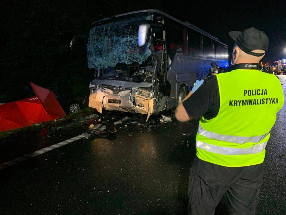 У Польщі мікроавтобус зіткнувся з автобусом. 9 людей загинули (ФОТО, ВІДЕО)