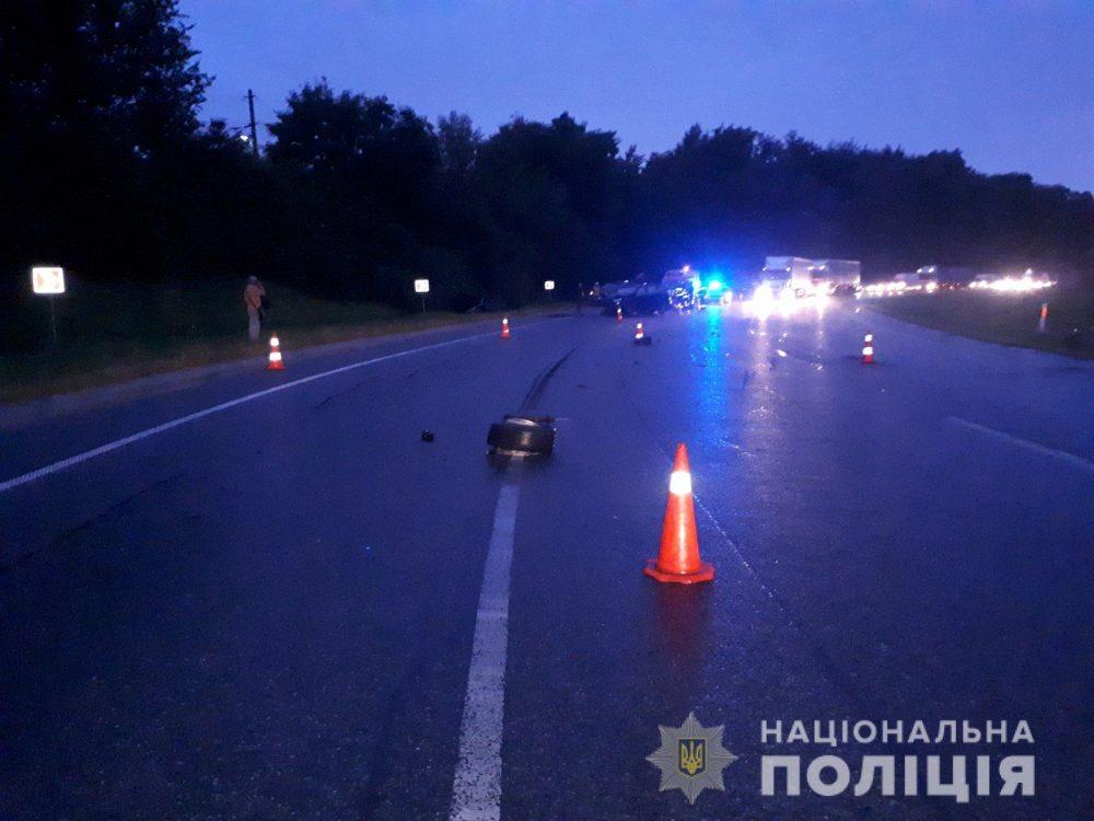 П'яний водій виїхав на зустрічну – поблизу Тернополя зіткнулися Мерседес і Фольксваген
