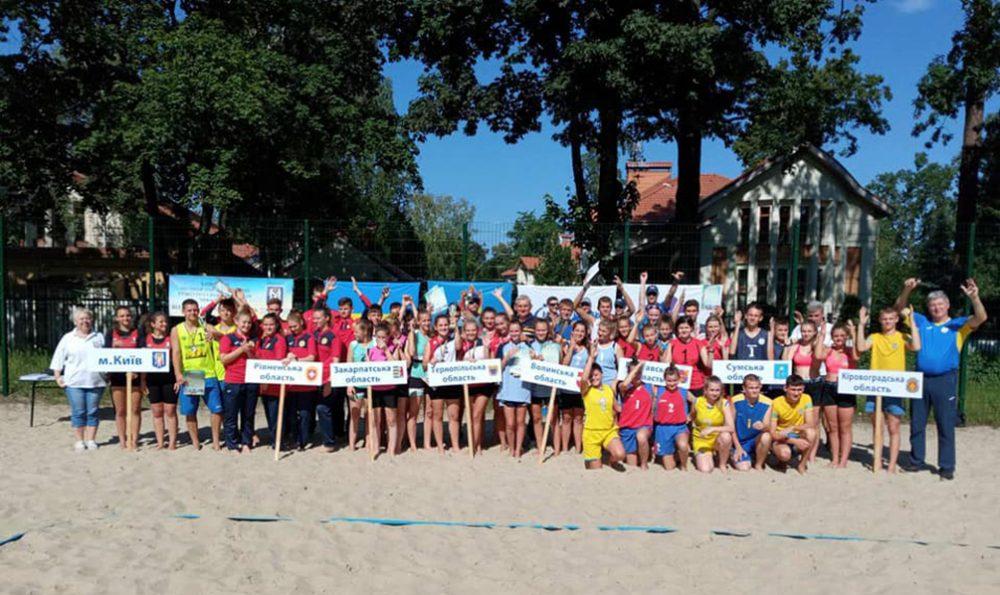 Тернопільські волейболістки з вадами слуху вибороли «срібло» й «бронзу» на чемпіонаті України