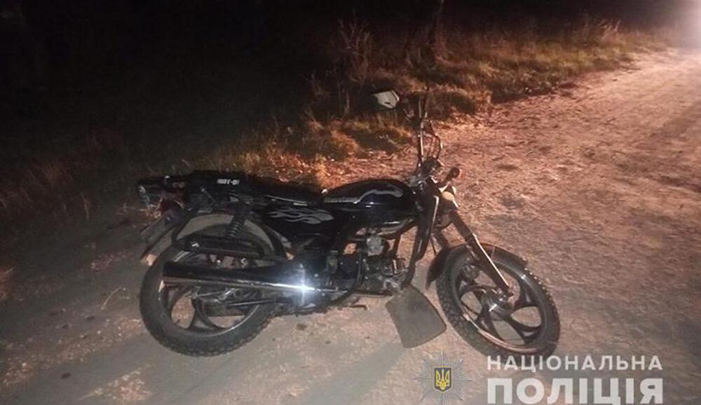Аварія у Кременецькому районі: п'яний мотоцикліст злетів у кювет і отримав значні травми
