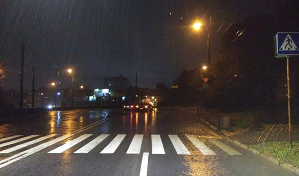"""Аварія у Тернополі: на вулиці Тарнавського водій """"Жигулів"""" збив пішохода"""
