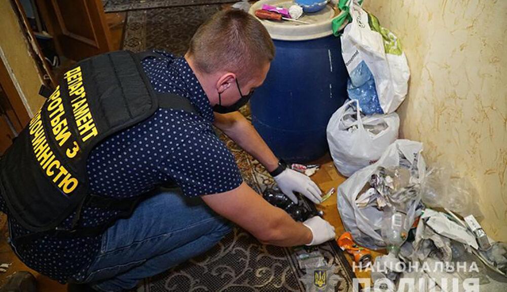У Тернополі на вулиці Симоненка викрили наркопритон (ФОТО, ВІДЕО)