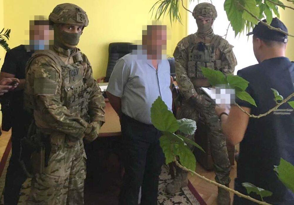 У Тернополі посадовця податкової будуть судити за вимагання 40000 тисяч доларів неіснуючого боргу