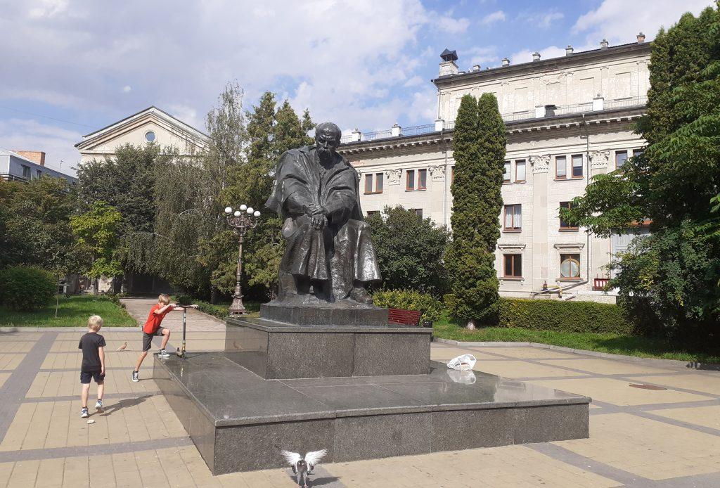 пам'ятник Т. Шевченку, Тернопіль