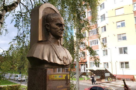 Священнику, який піднімав Тернопіль, відкрили пам'ятник (ФОТО)