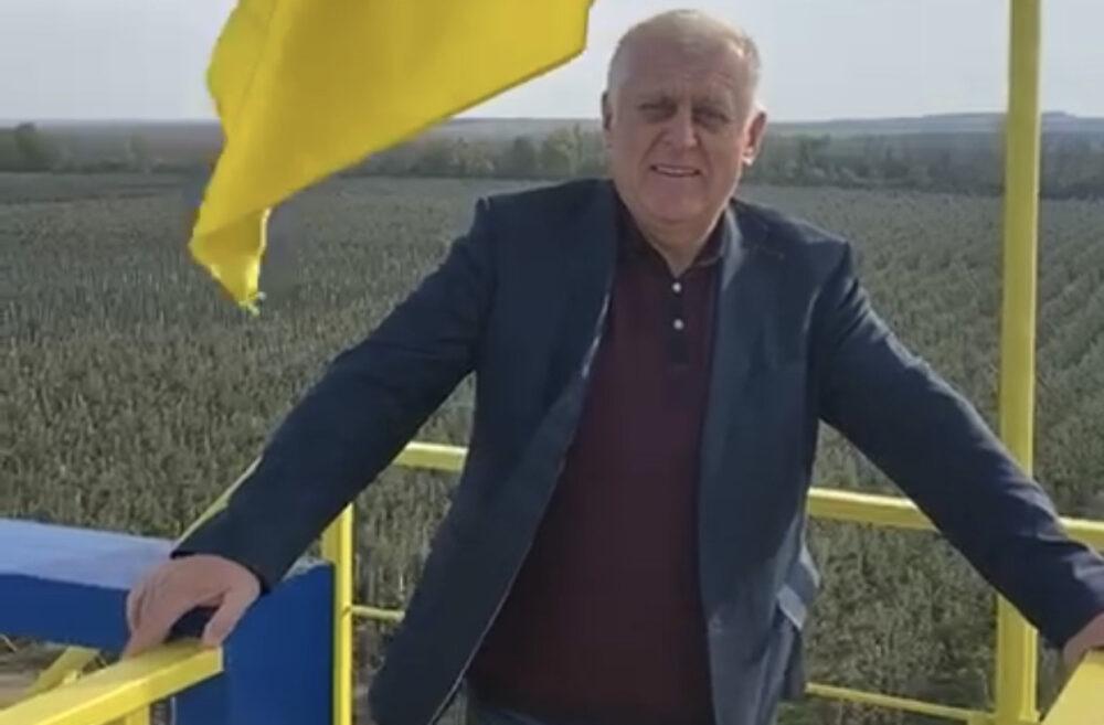 «Набираюся тут енергії та впевненості в майбутньому країни», – радник голови МВС Михайло Апостол відвідав сади Петра Гадза