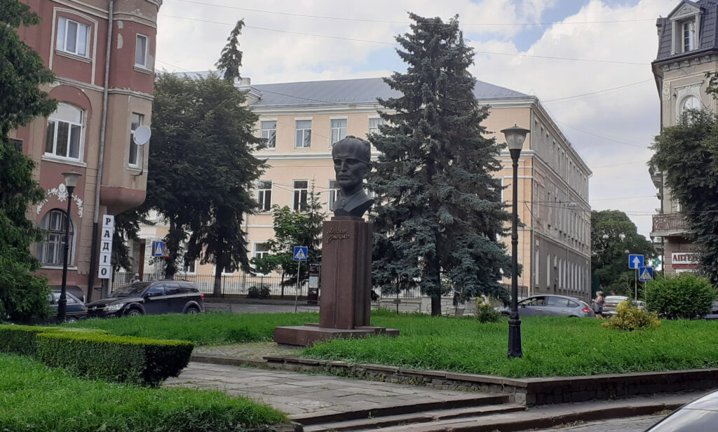 Пам'ятник Ярославу Стецьку у Тернополі
