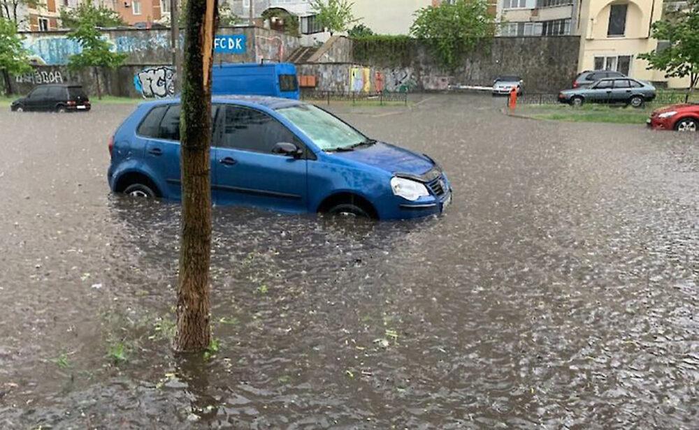 Прості правила: як розпізнати автомобіль-потопельник