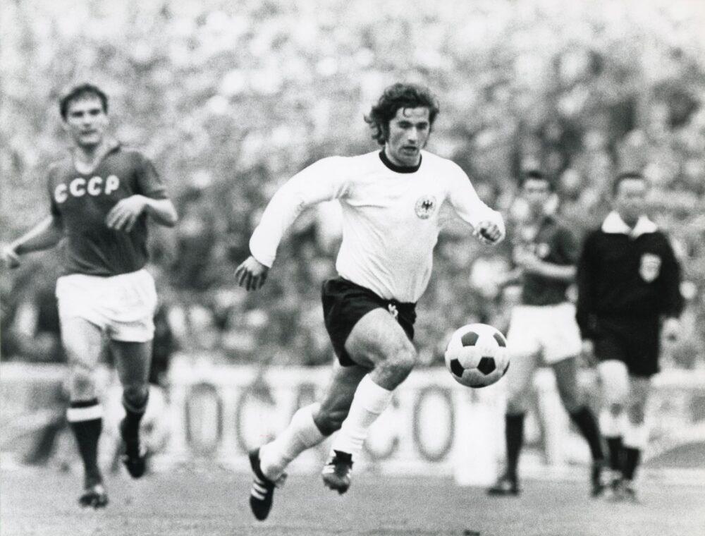 Легенди футболу — володар «Золотого м'яча» 1970 року Герд Мюллер