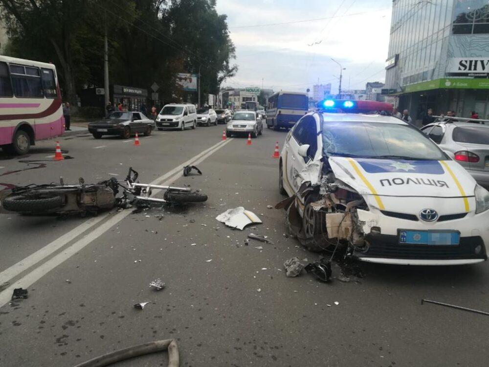 Мотоцикліст із Бережанського району зіткнувся із автомобілем патрульної поліції (ФОТО)