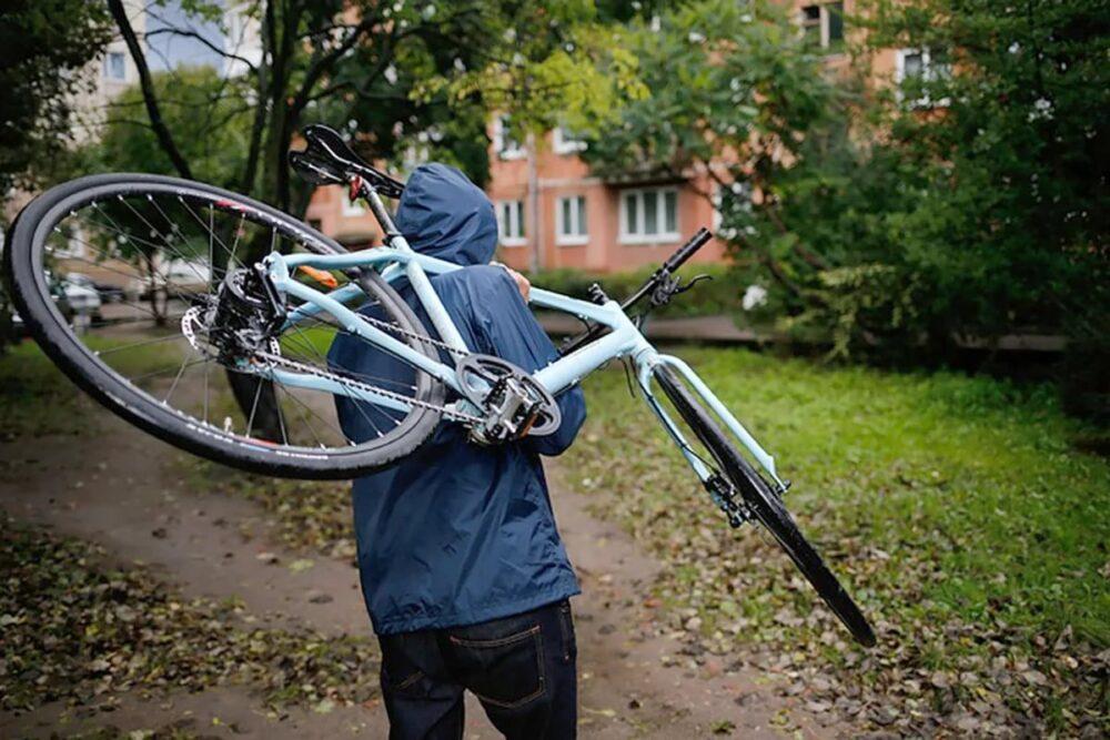У Заліщиках двоє зловмисників вкрали чотири велосипеди