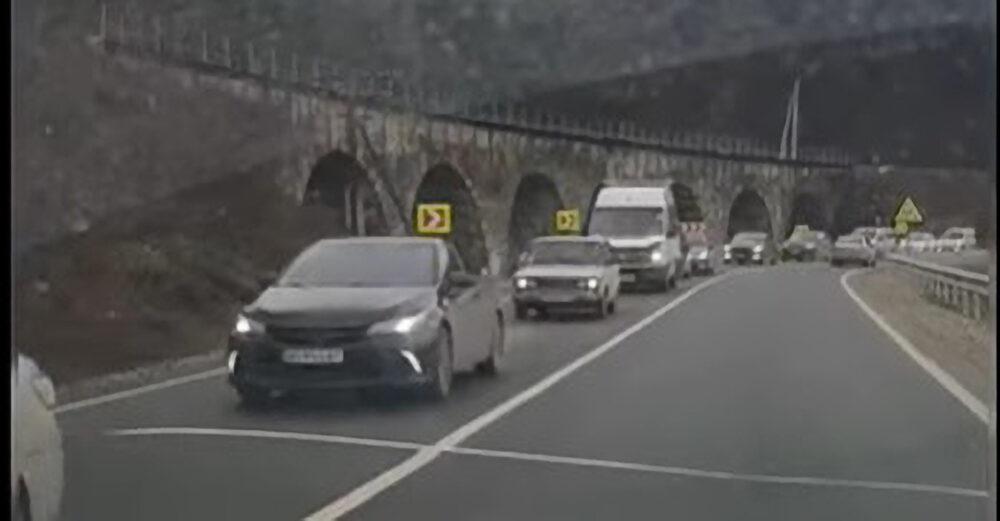 Через ремонт дороги на Теребовлянщині утворюються кілометрові затори (ФОТО)