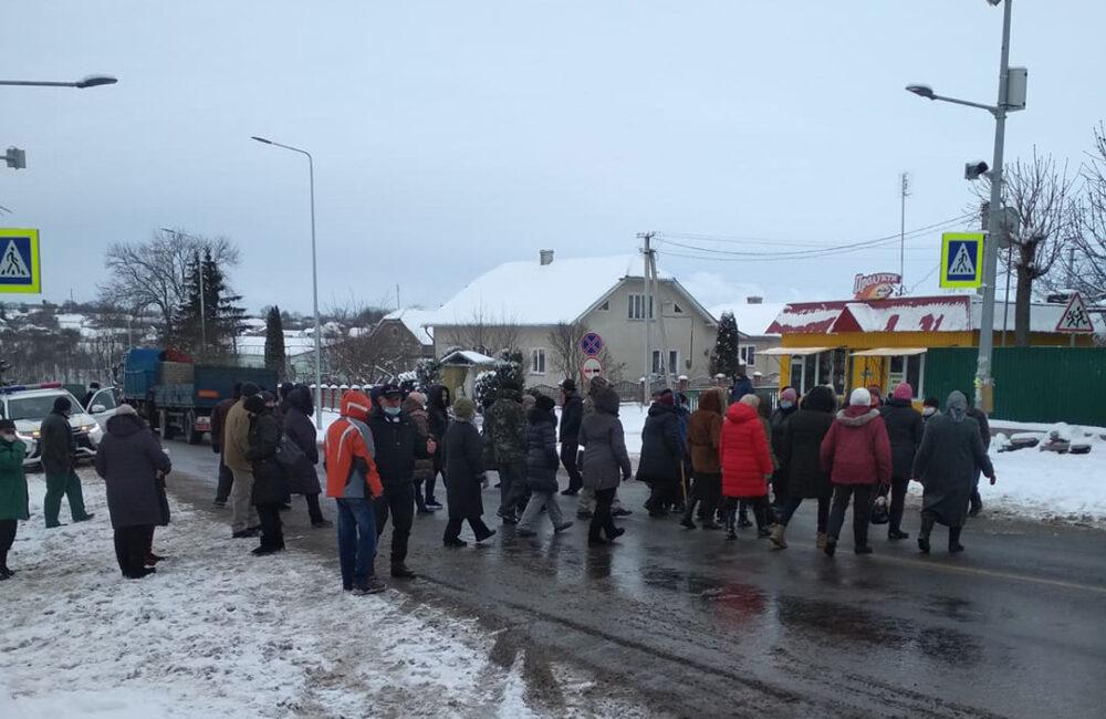 П'ятий день поспіль: у Чортківському районі люди бунтують проти нових тарифів на газ (ВІДЕО)