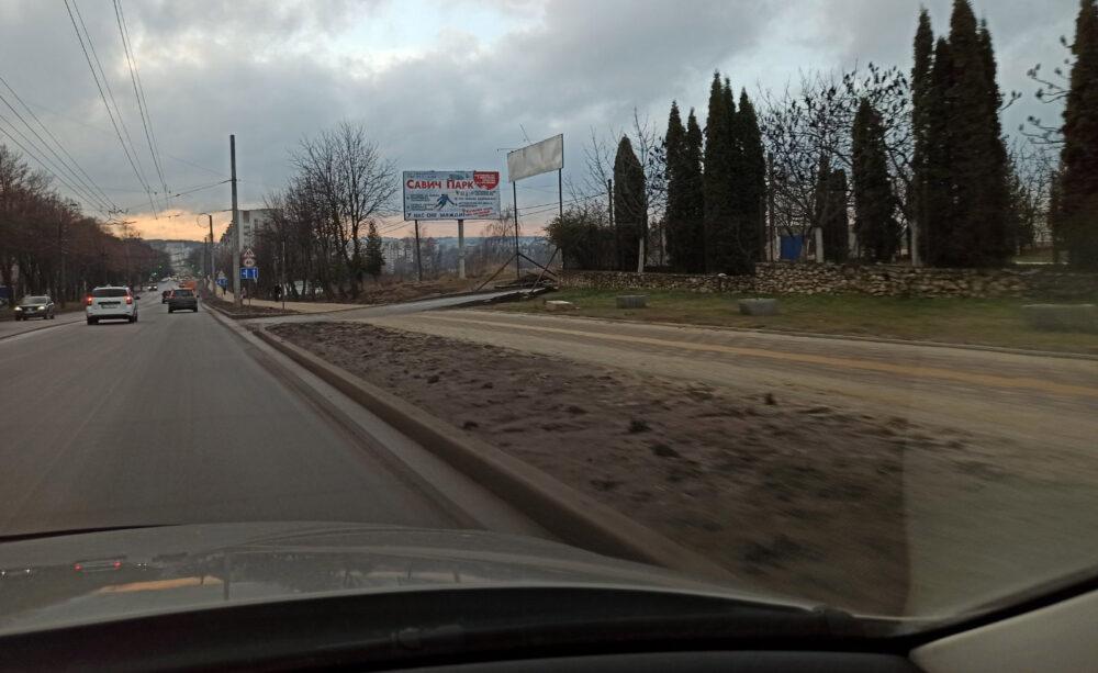 Тротуар, острівки безпеки та зупинка громадського транспорту: на Тарнавського завершили облаштування дороги (ФОТО)