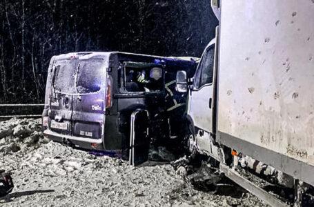 Поблизу Тернополя зіткнулися три автомобілі. Є травмовані (ФОТО)