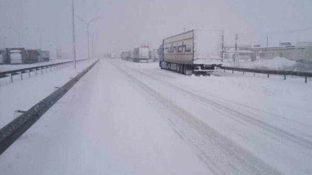 Увага! На дорогах Тернопільщини тимчасово обмежений рух вантажних автомобілів