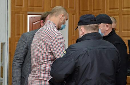 Чоловіка, який у Тернополі стріляв по дітях, взяли під варту одразу у залі суду (ФОТО)