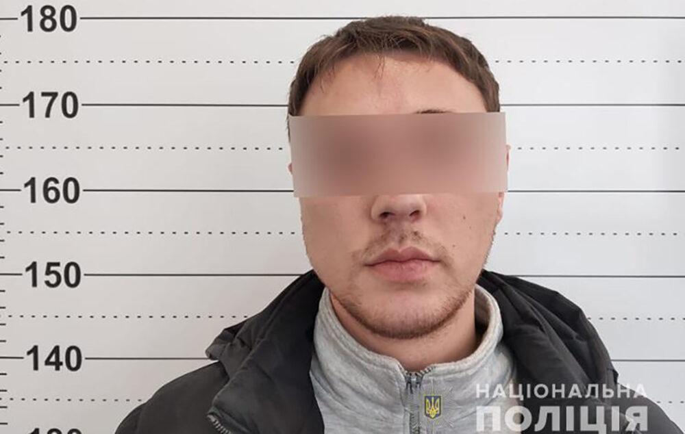 """У Тернополі спіймали двох одеситів, які займалися шахрайством за схемою """"ваш син в поліції"""" (ФОТО)"""