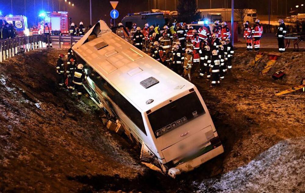 Український автобус потрапив у ДТП в Польщі, є загиблий та поранені (ФОТО)