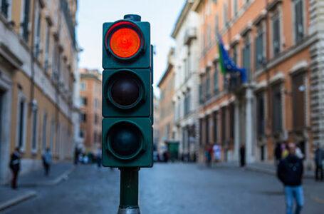 """У Тернополі таксист збив 15-річну дівчину, яка переходила дорогу на """"червоне світло"""""""
