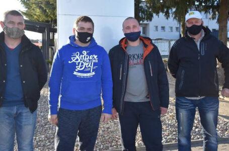 Витягли з петлі: троє українських заробітчан у лісі врятували молодого поляка