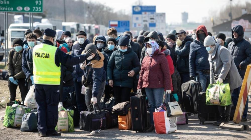 заробітчани на польському кордоні