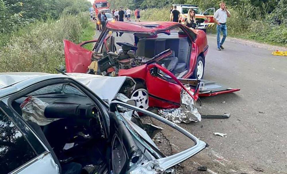 На Бучаччині у результаті страшної аварії травмовано 4 людей (ФОТО)