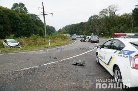 Страшна аварія поблизу Тернополя – на перехресті зіткнулися три автомобілі (ФОТО)