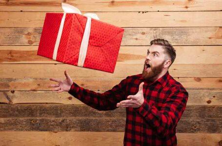Подарок парню: как выбрать и где купить