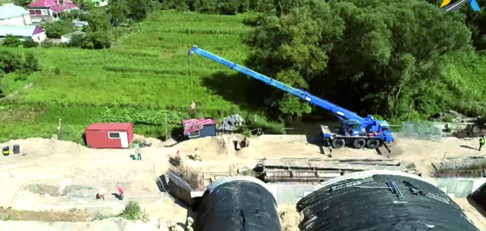 """""""Велике будівництво"""" у Струсові: дорожники пояснили, чому затримується ремонт моста"""