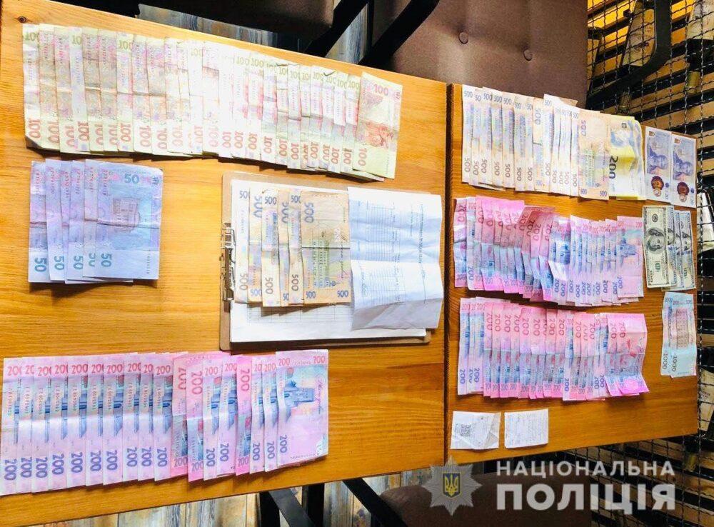 На Тернопільщині голова сільради, який вимагав 80000 доларів хабаря, таки отримав 6 років тюрми