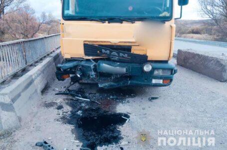 Водій з Тернопільщини поблизу Франківська потрапив в аварію, у якій загинула людина