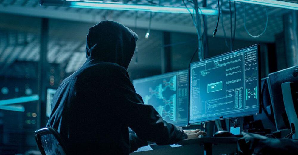 """З початку року кібердепартамент СБУ ліквідував 65-тисячну """"армію ботів"""" у соціальних мережах"""