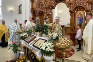 церква у Плебанівці, освячення іконостасу